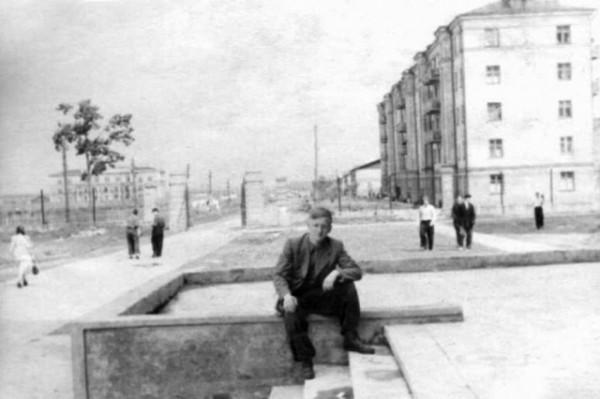 1952. Вид со ступеней ЛК